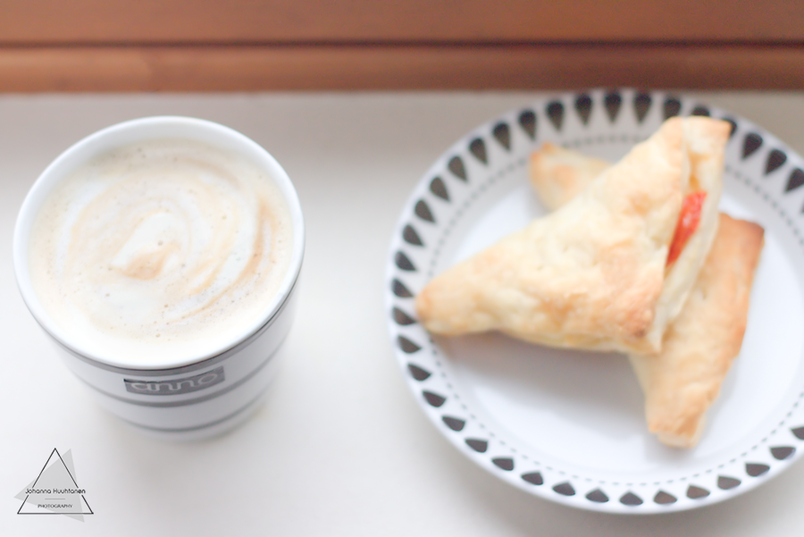 Kahvi ja pasteijat